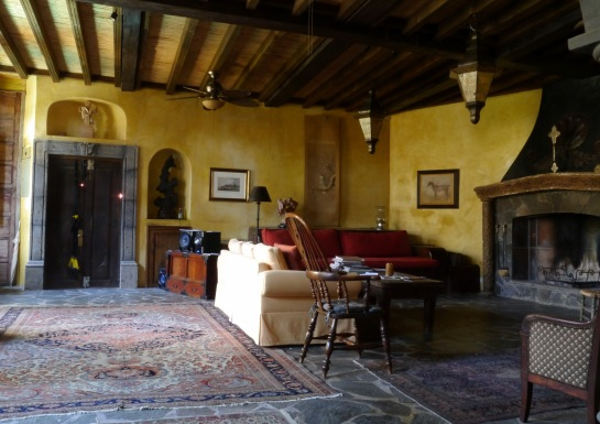 La Sala (living room)